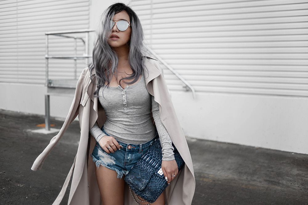 willabelle-ong-paledivision-street-style-fashion-travel-lifestyle-blog-singapore-australia-grey-outfit-editorial-gray-hair-denim-shorts-python-bag-denim-trench-1