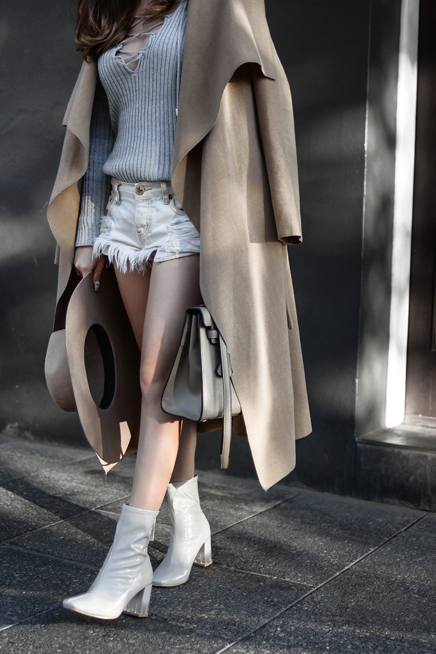 willabelle-ong-paledivision-street-style-fashion-travel-lifestyle-blog-singapore-australia-perth-perspex-heel-boots-denim-shorts-grey-outfit-editorial-fashionweek-2