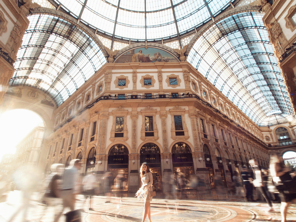 willabelle-ong-paledivision-street-style-fashion-travel-lifestyle-blog-australia-singapore-blogger-italy-milan-missguided-premium-feather-sleeve-beaded-bodycon-dress-galleria-vittorioemanuele-ii-